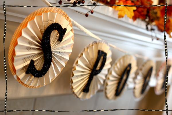 Spooky halloween paper garland