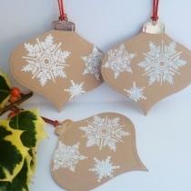 Christmas Bauble Gift Tag Idea