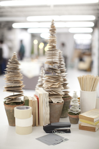 Modern desk paper christmas tree